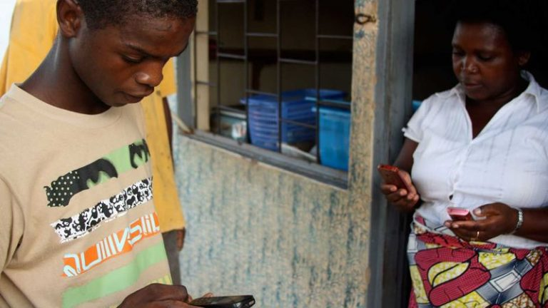 Text messages help fight cholera in Mozambique