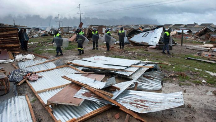 metro cops suspended over shack evictions