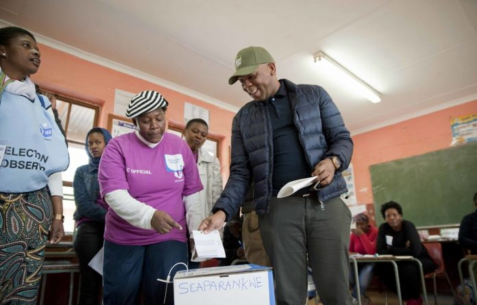 Tshwane mayor Kgosientso 'Sputla' Ramokgopa was joined by his family when he cast his vote at Seaparankwe Primary School in Atteridgeville.