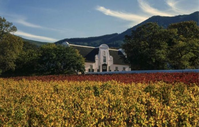 Audits of the Groot Constantia wine estate found noncompliance for ethical trade accreditation. Labour regulations and those for the storage and use of chemicals and pesticides were violated.