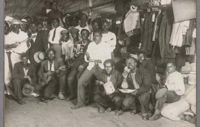 This photo of people from Britain's colonies in Africa is one of the 40 propaganda photos taken by Albert Grohs in the Ruhluben internment camp near Berlin. It is part of the Maurice Ettinghausen Collection of papers at the Harvard Law School Library