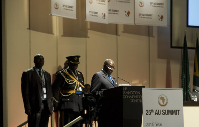 African Union chairperson Robert Mugabe says President Jacob Zuma had vowed not to arrest the Sudanese president.