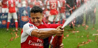 Alexis Sanchez celebrates Arsenal beating Chelsea in the 2017 FA Cup final.