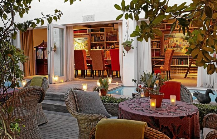 Bric-a-brac boutique: Abalone House hotel in Paternoster