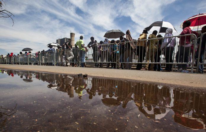 First choice: Aspirant students still queue at universities