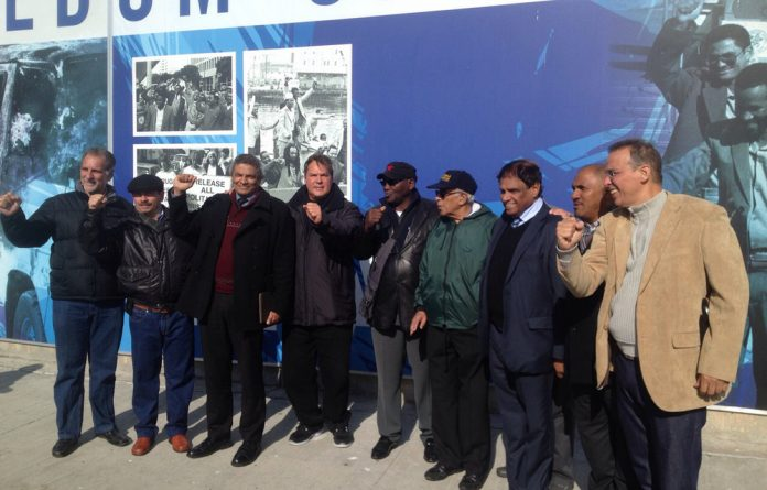 The Cuban Five accompanied by some of South Africa's former political prisoners.