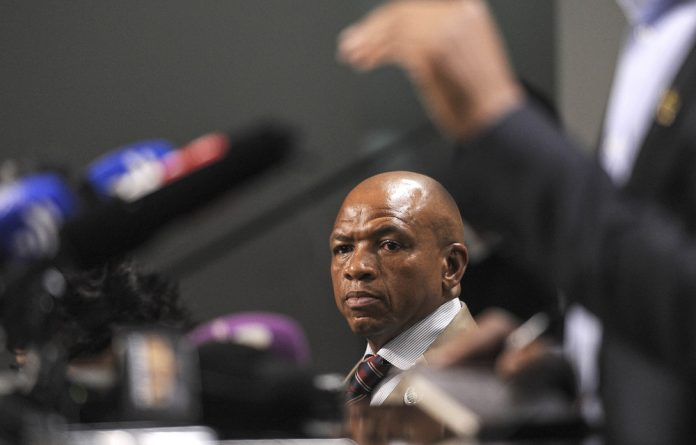Supra Mahumapelo denies inviting VBS bank to a conference of government officials.