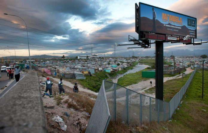 About 10 000 new shacks are built in Khayelitsha every year to accommodate the influx of new families.