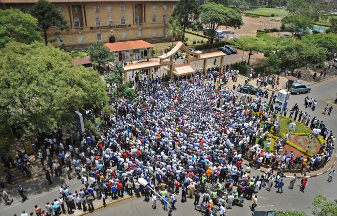 Supporters of the Raila Odinga led CORD alliance gathered outside Kenya's supreme court building to express support for a petition challenging the outcome of Kenya's general election.