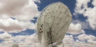 Seeing stars: The MeerKAT radio telescope