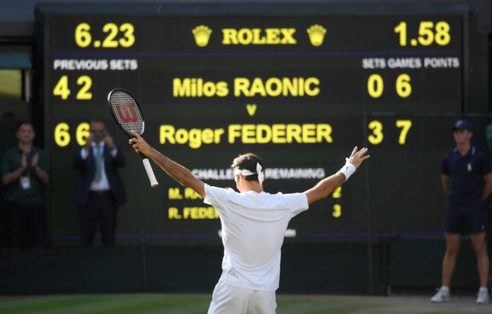 Roger Federer reached the Wimbledon semi-finals for the 12th time on Wednesday with a 6-4