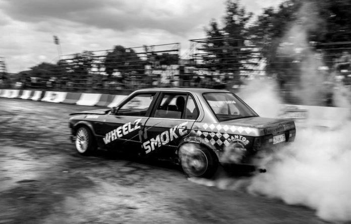 Botsotso kings: A spinner burns it up at Wheelz n Smoke