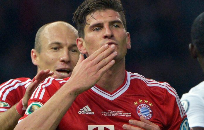 'Bild' and 'Kicker' both reported that Fiorentina will pay Bayern $26-million for Mario Gomez.