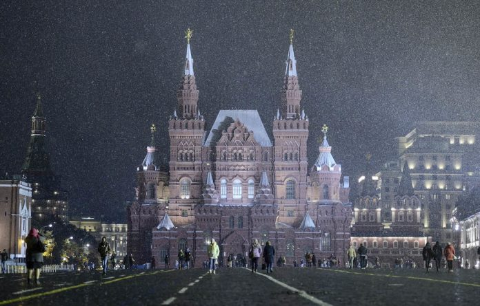 Seeing red: The South Africans were kept waiting at Red Square by their colleagues from India