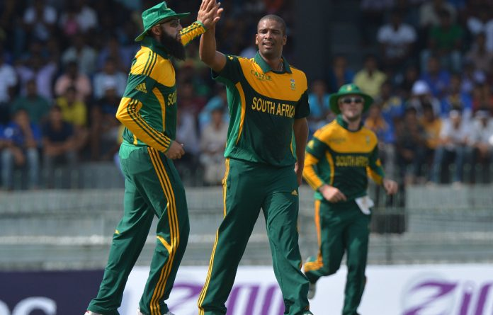 Vernon Philander celebrates after dismissing unseen Sri Lankan cricketer Kusal Perera during the first one day international match between South Africa and Sri Lanka.