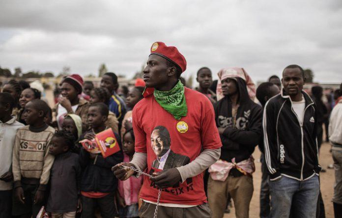 Supporters of Hakainde Hichilema