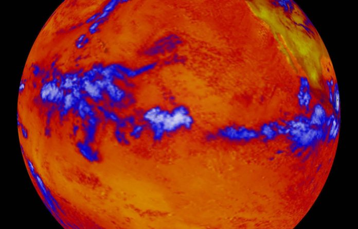 This image shows heat radiating from the Pacific Ocean; blue indicates cloud cover. Upper levels continue to absorb heat