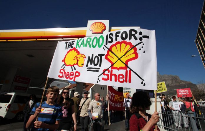 Environmental lobby groups oppose Shell's fracking plans in the Karoo