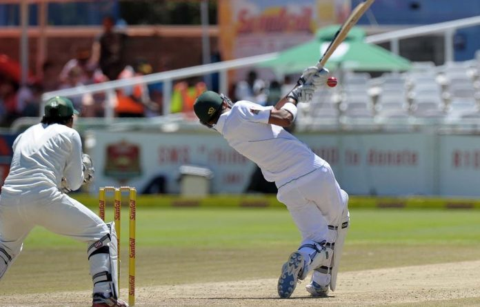 Robin Peterson plays a shot during on Day 3 of the Second Test between South Africa and Pakistan at Newlands.