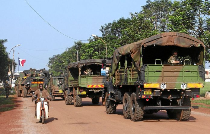 At least 17 people were killed in weekend clashes between rebels and residents of the capital Bangui.