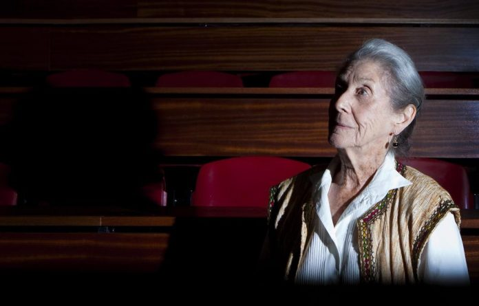 Nobel prize winning author Nadine Gordimer has celebrated the legacy of the late writer Chinua Achebe at the M&G Literary festival.