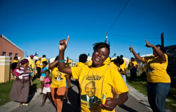 Cope is now coercing its public representatives into submitting a sworn affidavit to avoid last-minute betrayals.