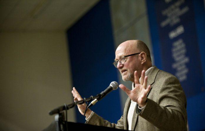 Minister Derek Hanekom