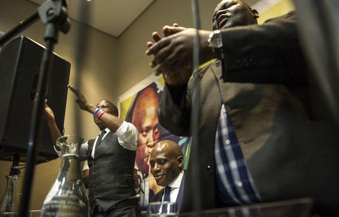 While suspended SABC official Hlaudi Motsoeneng