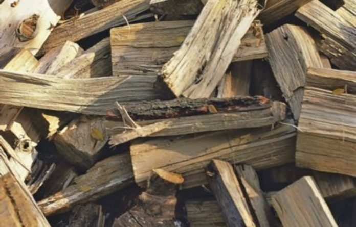 Ten percent of South African household rely on firewood and charcoal to cook and warm their houses.