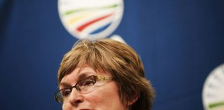 An emotional Zille has told journalists that she will be offering a substantial reward to try and apprehend the criminals who shot two police officers in the Imizamo Yethu township in Hout Bay.