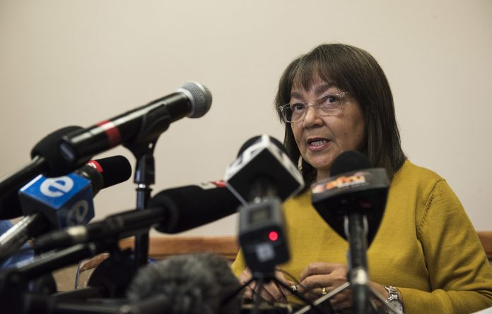 De Lille survived a similar motion of no confidence against her in February by one vote.