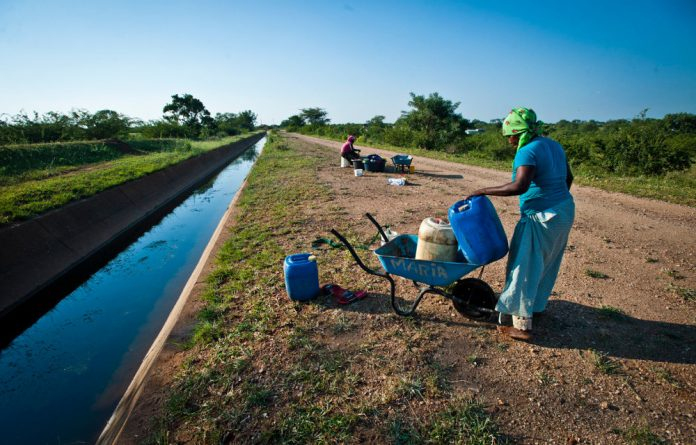 Municipalities don't have access to the necessary expertise to ensure that water is clean and efforts to improve the situation are ignored.