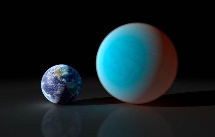 Earth compared to 55 Cancri e.