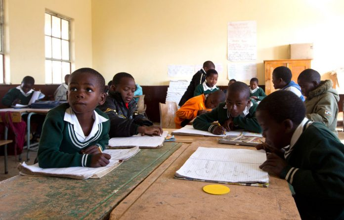 Parents of pupils several schools in the Eastern Cape have dipped into their own pockets to pay for temporary teachers.