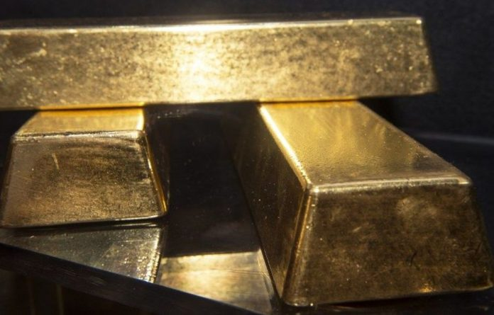 The commodity regains some of its glitter as doubts are raised about extent of US recovery.