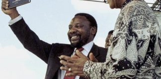 Cyril Ramaphosa and Nelson Mandela with the Constitution promulgated in 1997. Section 25 makes it clear that an expropriation law could have been passed but politicians lacked the political will to do so