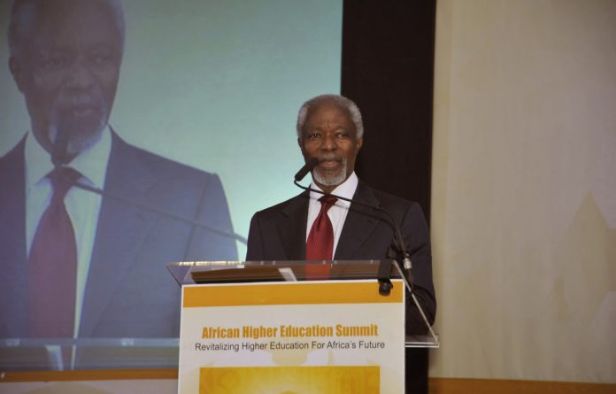 Former United Nations Secretary-General Kofi Annan makes a keynote address at the opening of the Higher Education Summit in Dakar