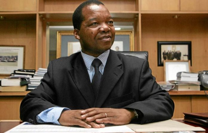 Zimbabwe's central bank governor John Mangudya.