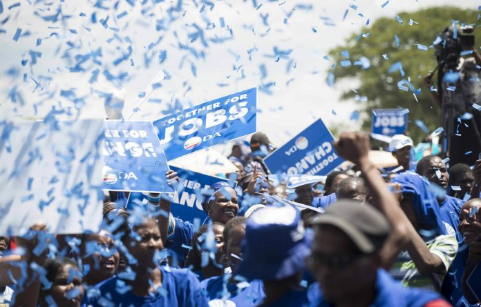 The manifesto of the Democratic Alliance promises to do away with the 'captured' Hawks and replace it with a secure unit that is ultimately answerable to Parliament.