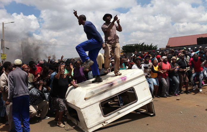 Allegations of corruption and the removal of the mayor and council has resulted in protest action by Bekkersdal residents.