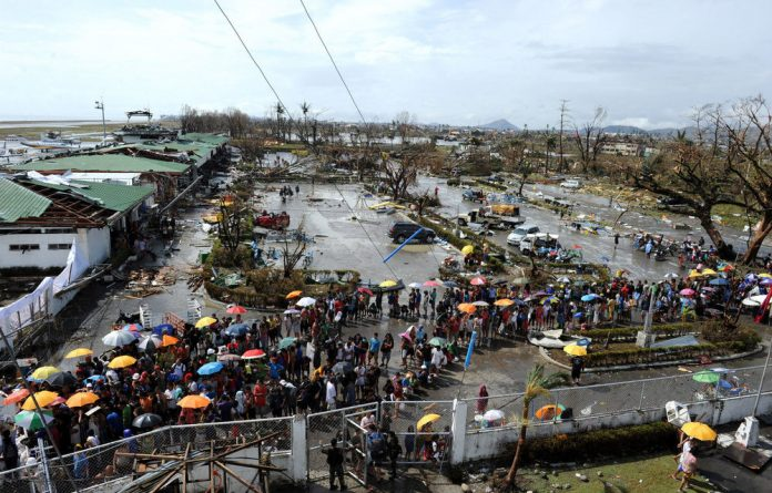 There is confusion over the death rate from Typhoon Haiyan.