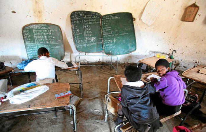 Eastern Cape schools must get teachers.