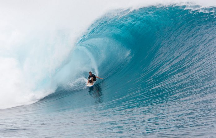 Grant 'Twiggy' Baker has scooped up the biggest single-wave prize in SA surfing.