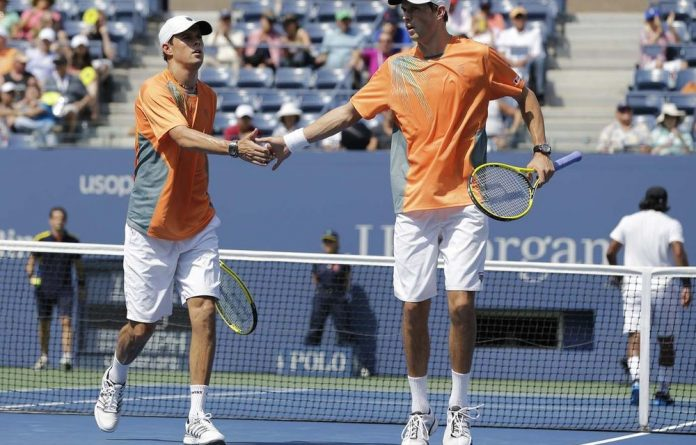 The US should be able to rely on the Bryan brothers to keep alive chances of reaching the Davis Cup final.