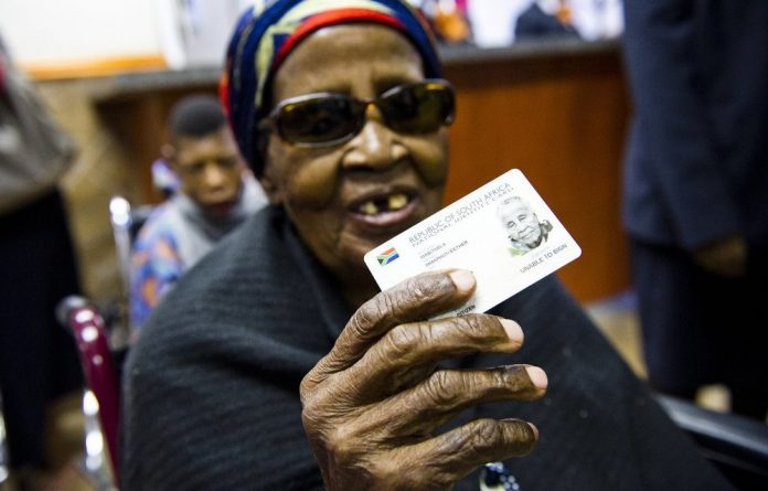 The home affairs department says it plans to introduce several new innovations to assist South Africans in obtaining their smart ID cards and passports.