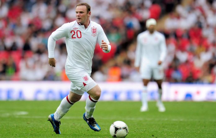 England manager Roy Hodgson says he will definitely pick Wayne Rooney for his first match at Euro 2012 against Ukraine.