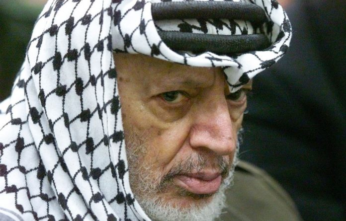 Yasser Arafat's remains will be tested for poisoning by polonium by a Swiss radiology lab.