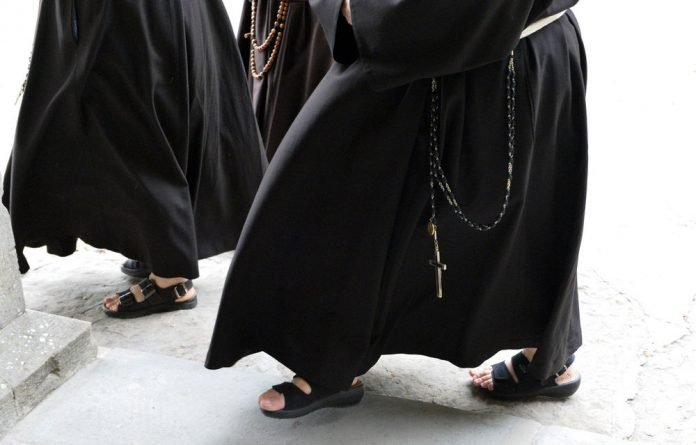 US Catholic nuns have rejected a Vatican assessment that they have fallen under the sway of feminism and needed to hand control to a trio of bishops.