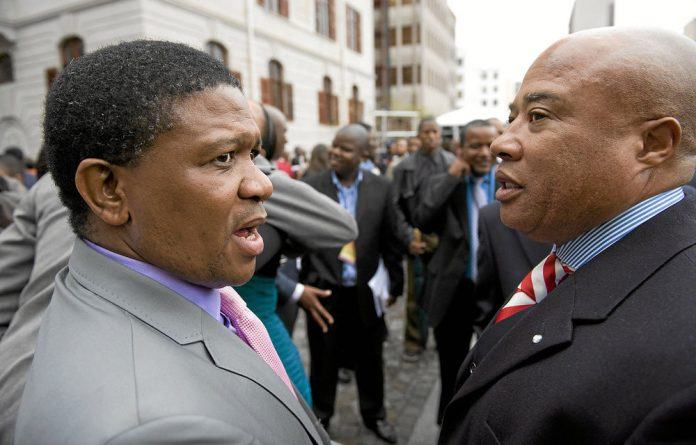 Sports Minister Fikile Mbalula and Tony Yengeni are allegedly in the camp pushing for President Jacob Zuma's removal.