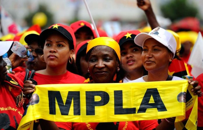 MPLA leader José Eduardo dos Santos made one final campaign ahead of Angola's elections on Friday.